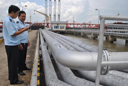 Số thu thuế của Hải quan tăng chủ yếu là do xăng dầu nhập khẩu